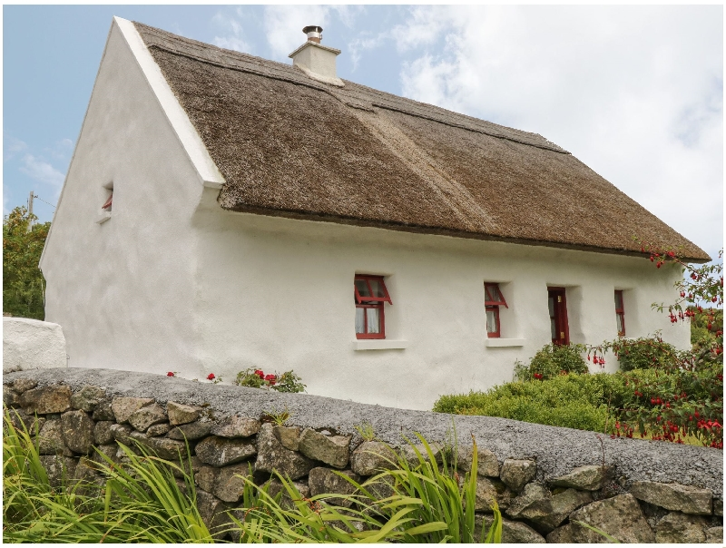 Click here for more about Spiddal Thatch Cottage
