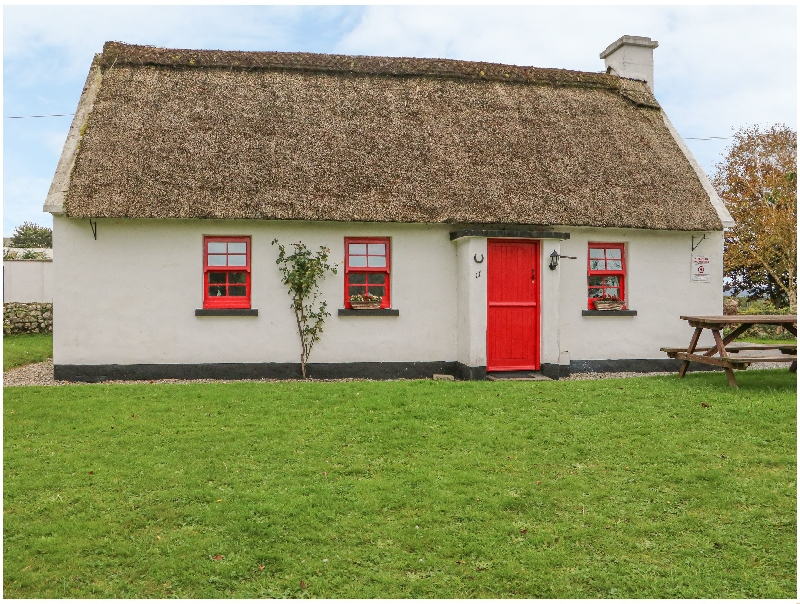 Click here for more about No. 11 Tipperary Thatched Cottage