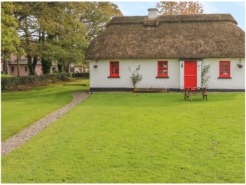 Click here for more about No. 9 Tipperary Thatched Cottages